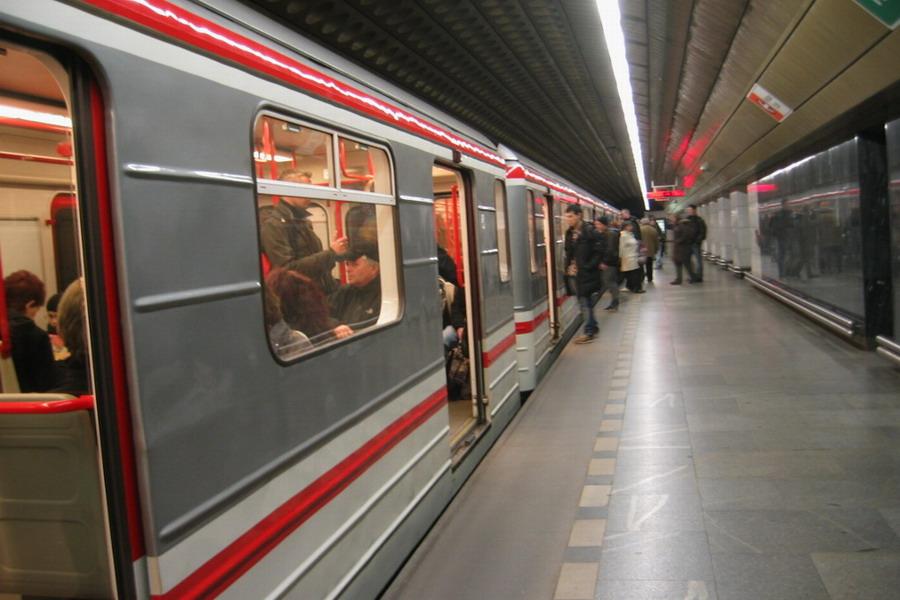 pražské metro, nástupiště