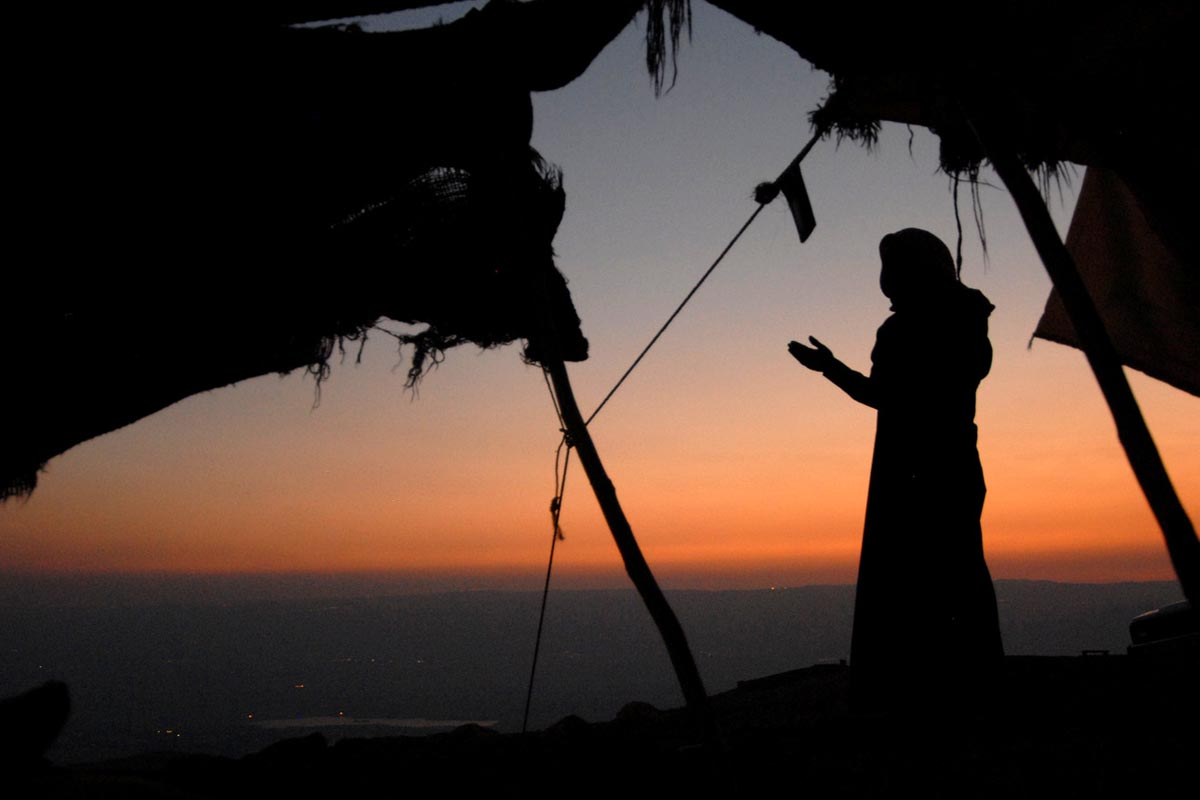Večerní modlitba v horách nad Jordánem