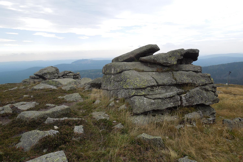 Granitovým kamenům se odpradávna říká ďáblova kazatelna a oltář čarodějnic