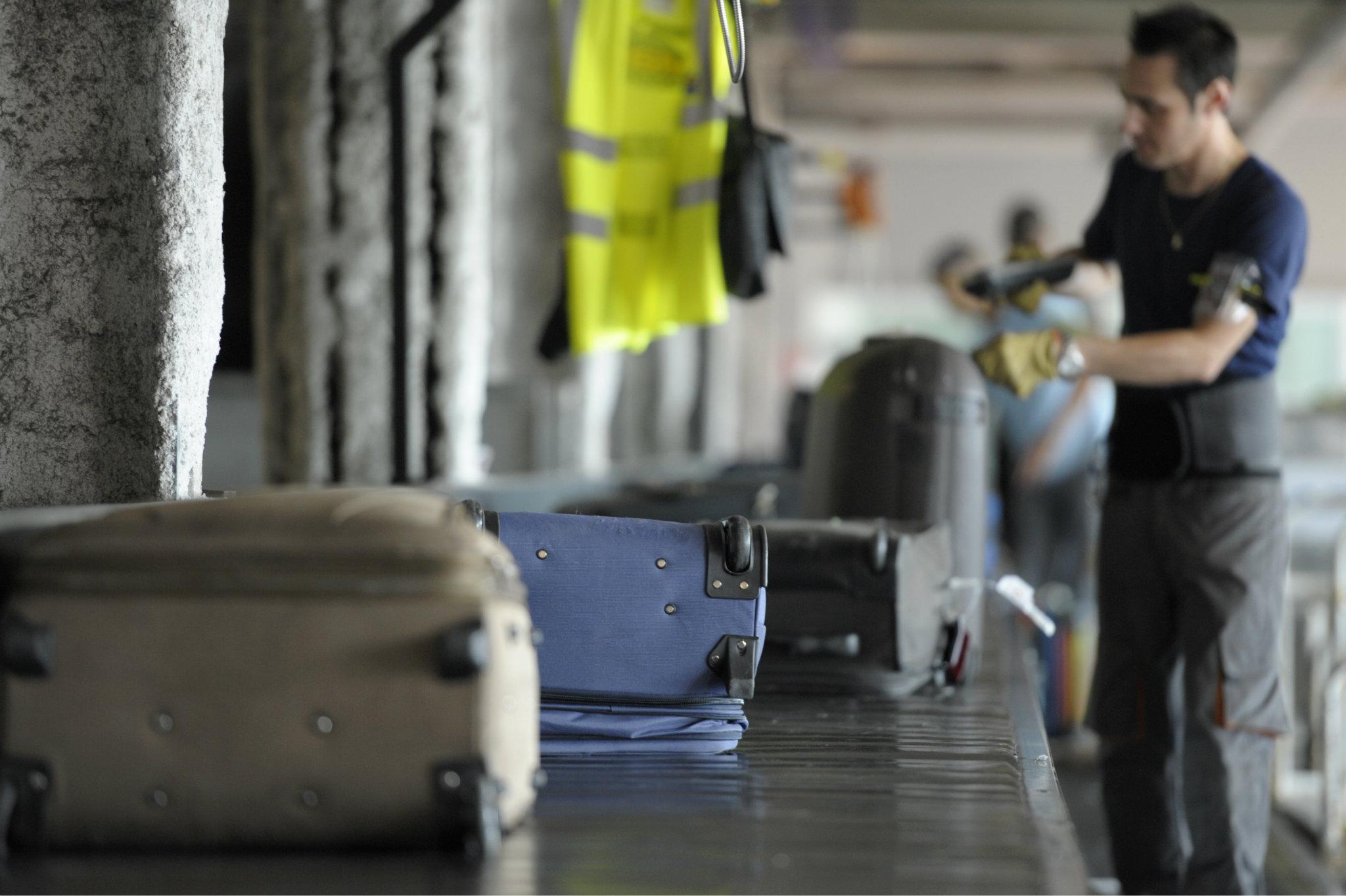 Třídění zavazadel na letišti. Ilustrační foto
