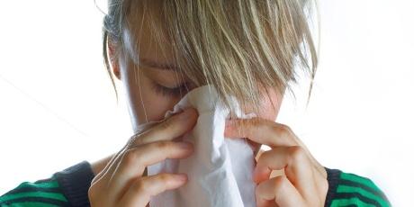 kýchnutí - rýma - nachlazení - chřipka