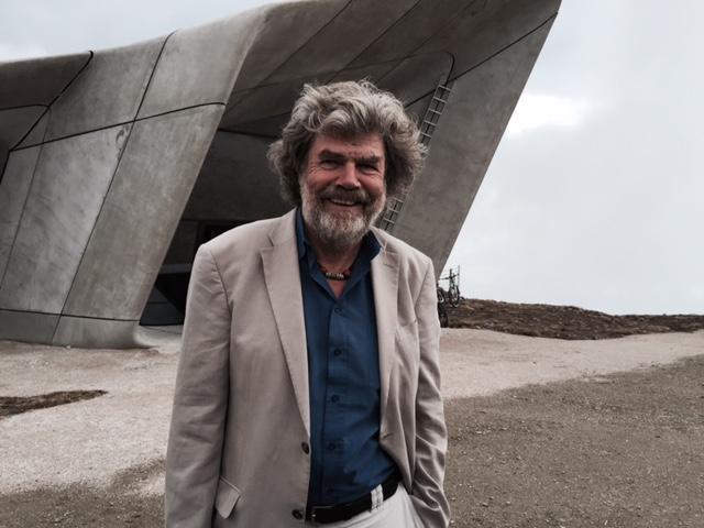 Horolezec Reinhold Messner u nově otevřeného horského muzea na vrcholu Kronplatzu v Jižním Tyrolsku