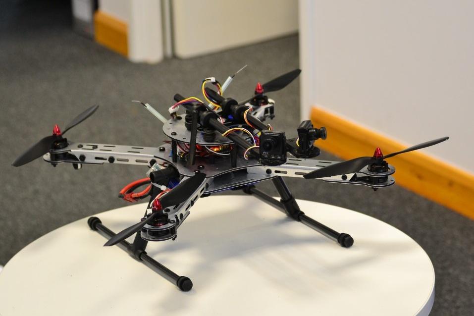 The Green Brain Project vyvíjí drony se zcela autonomním řízením, částečně založeným na simulaci mozku včely