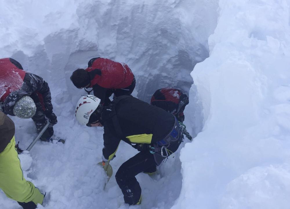Záchranné práce na místě neštěstí v Tyrolských alpách