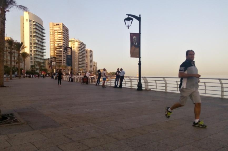 Bejrúťané běhají od časného rána