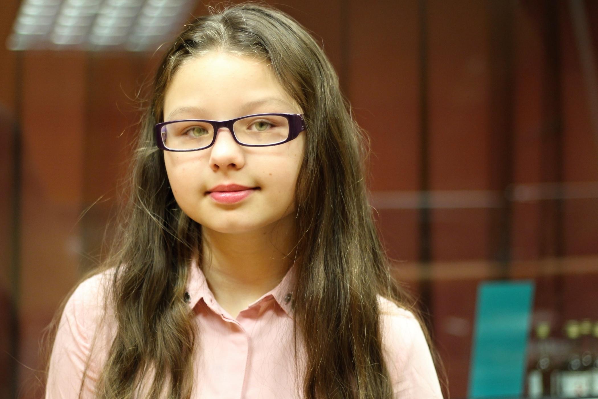 Evelína, dívka původem z Moldávie