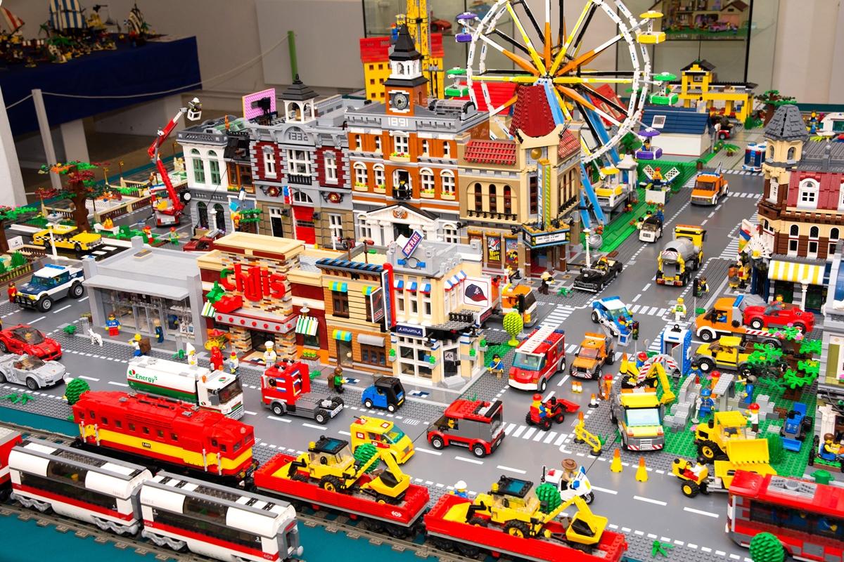 Výstava stavebnice Lego na pardubickém zámku