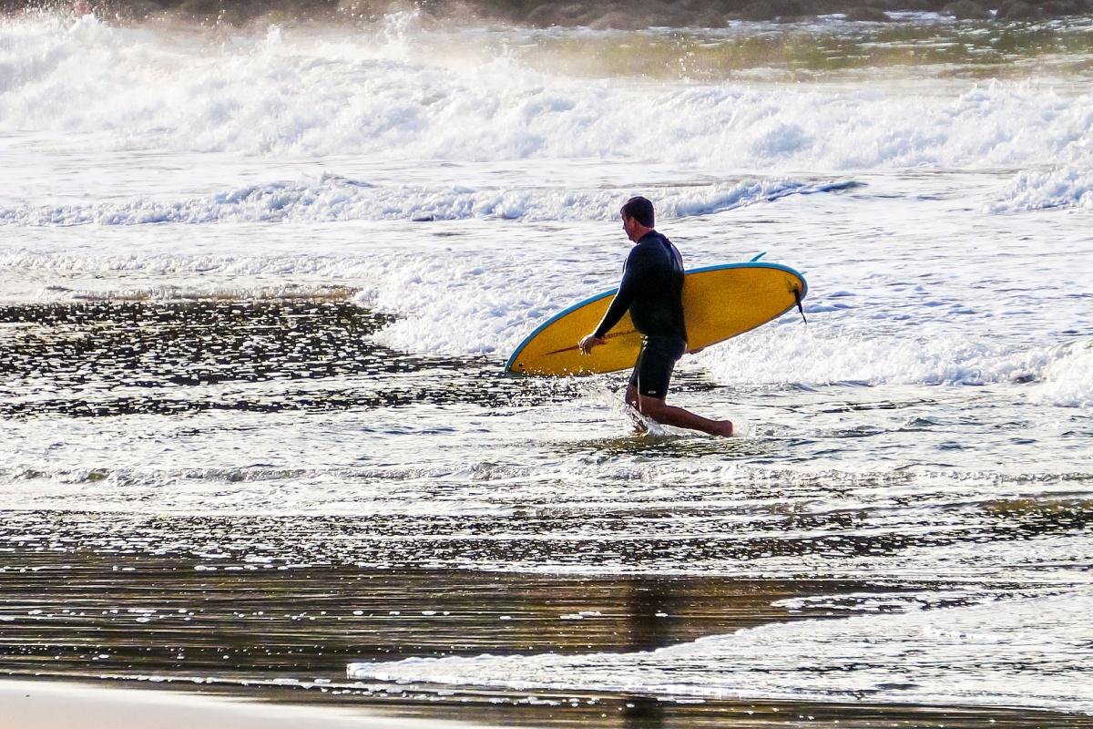 Surfař (ilustrační foto)