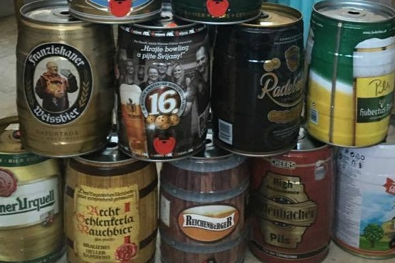 Ukázka pivních soudků ze sbírky pana Ludvy