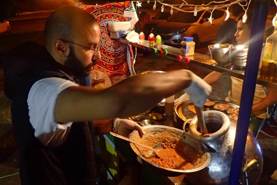 Základem každé egyptské ramadánové snídaně je vydatný fúl