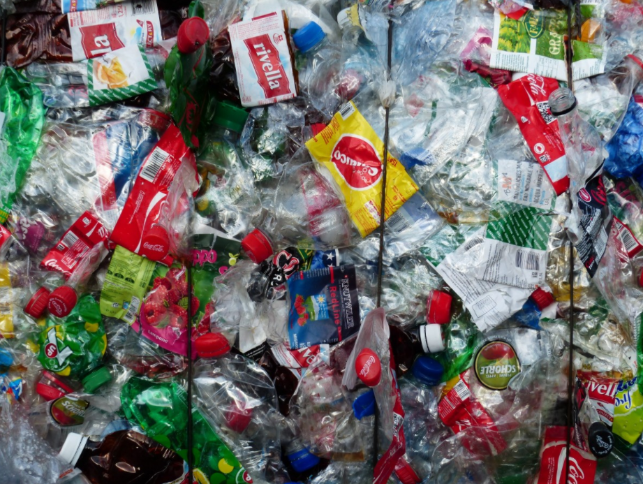 Plastový odpad - plast