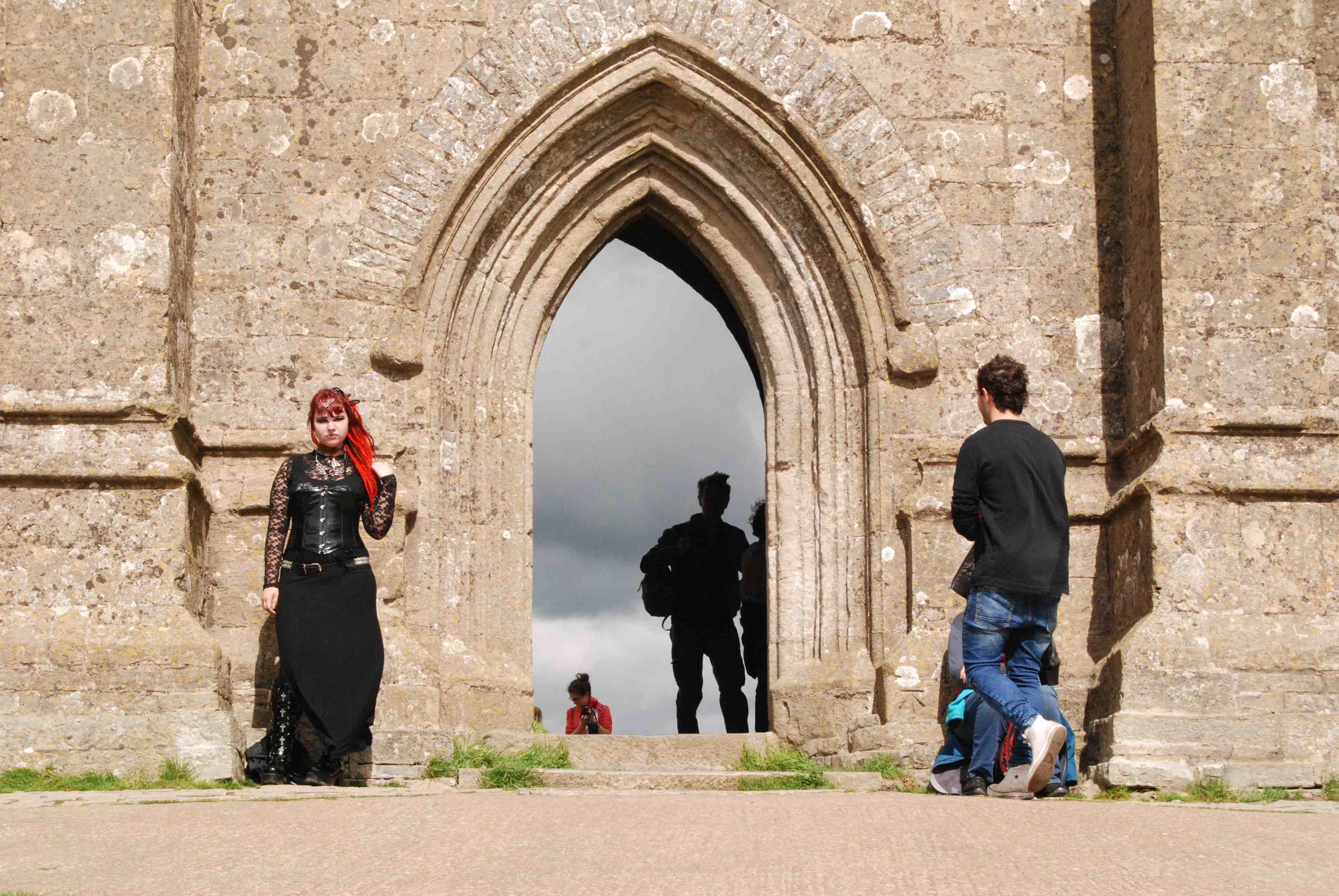 Vstup do Avalonu na vrchu Tor nad městem Glastonbury