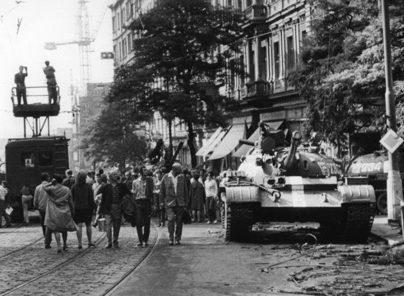 Manifest podepsalo více než sto tisíc občanů. Na konci srpna už tu byly ruské tanky.