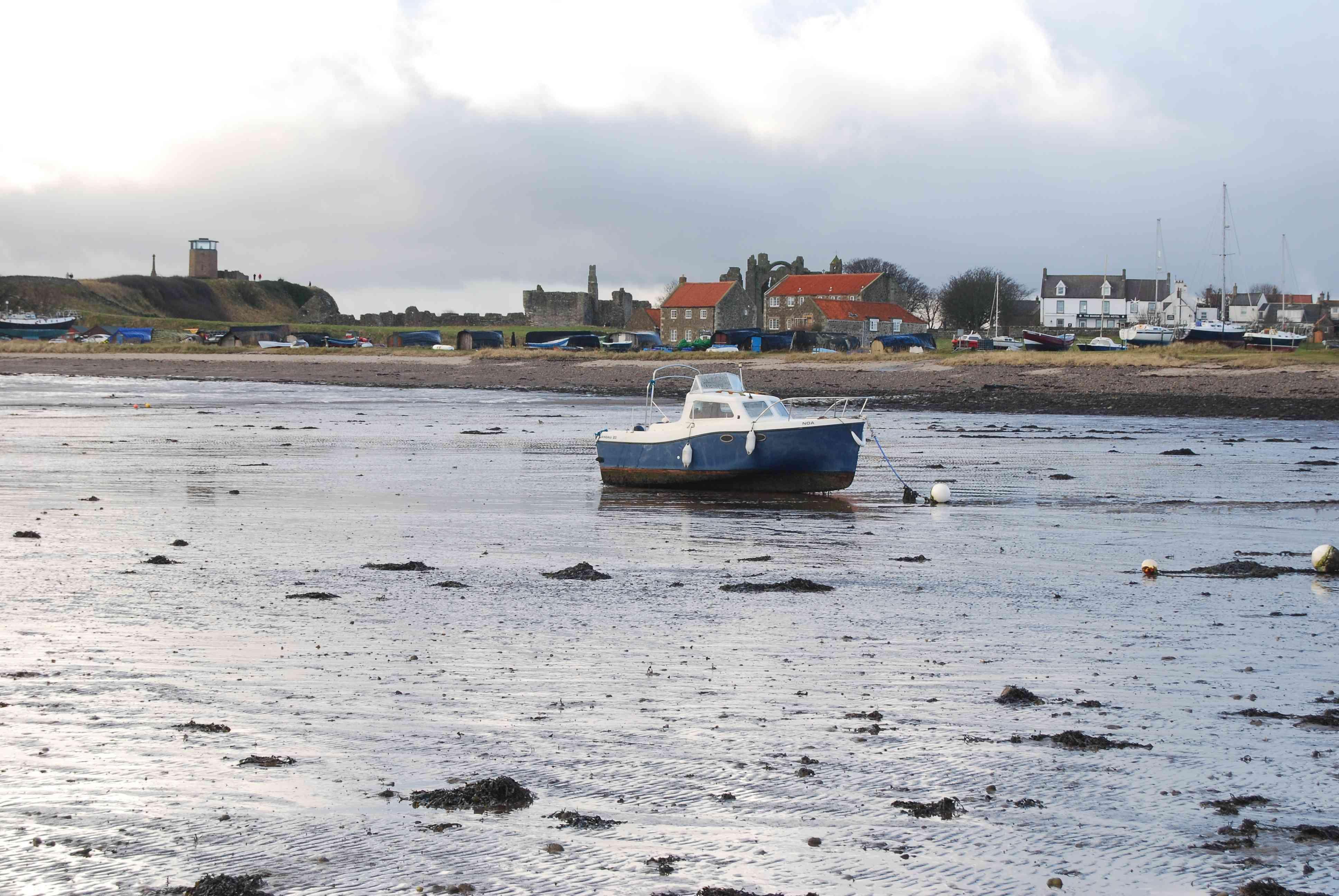 Odliv občas může zaskočit i majitele plavidel u břehů ostrova
