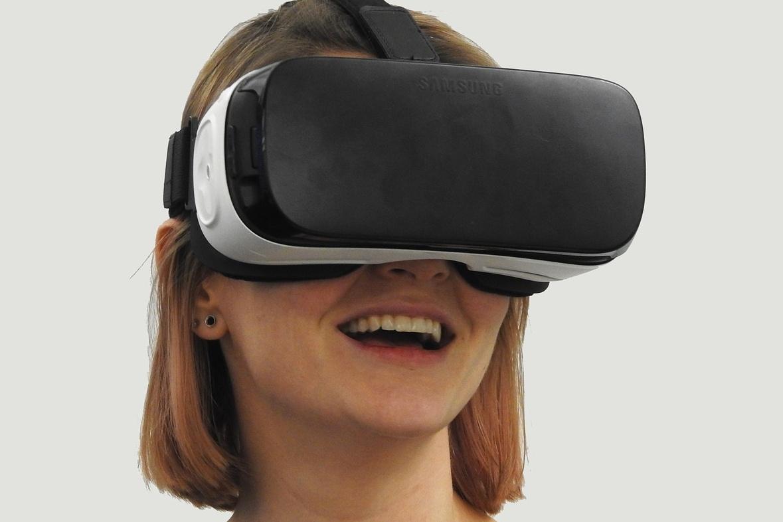 Masivnímu rozvoji virtuálních obchodů zatím brání především pořizovací cena brýlí a dostatečně výkonného počítače na straně zákazníků