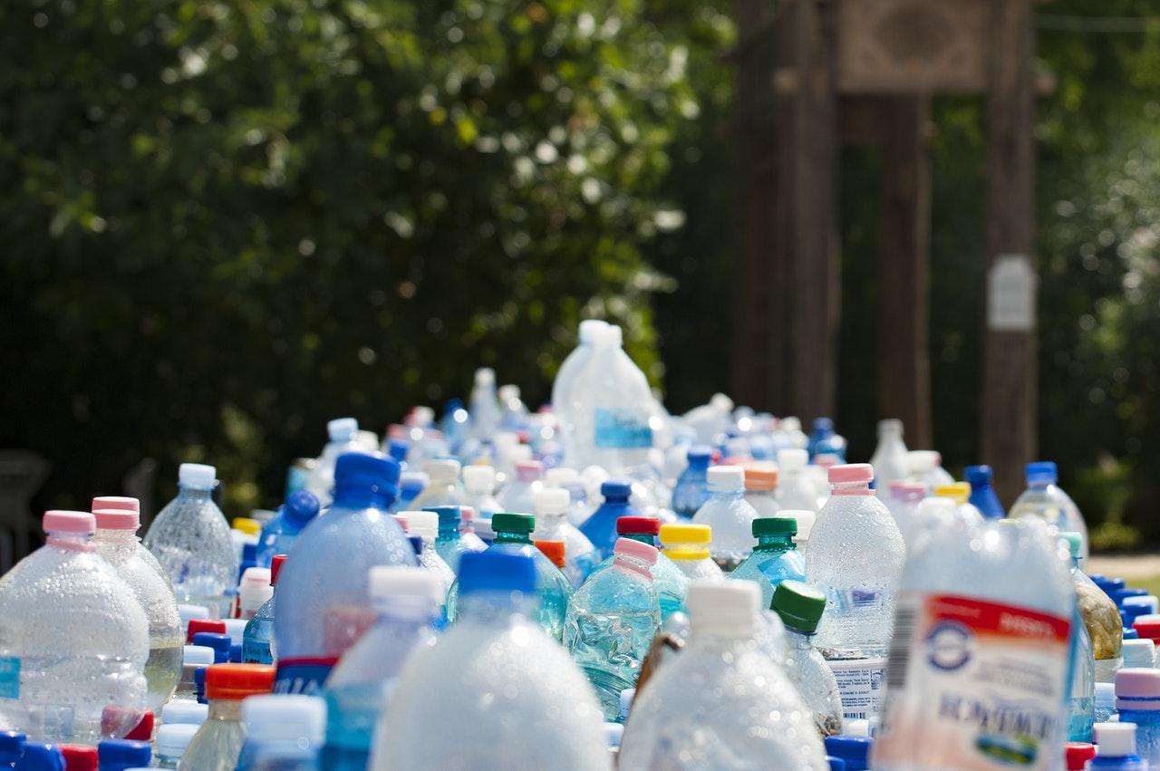 Plastové lahve - PET lahve