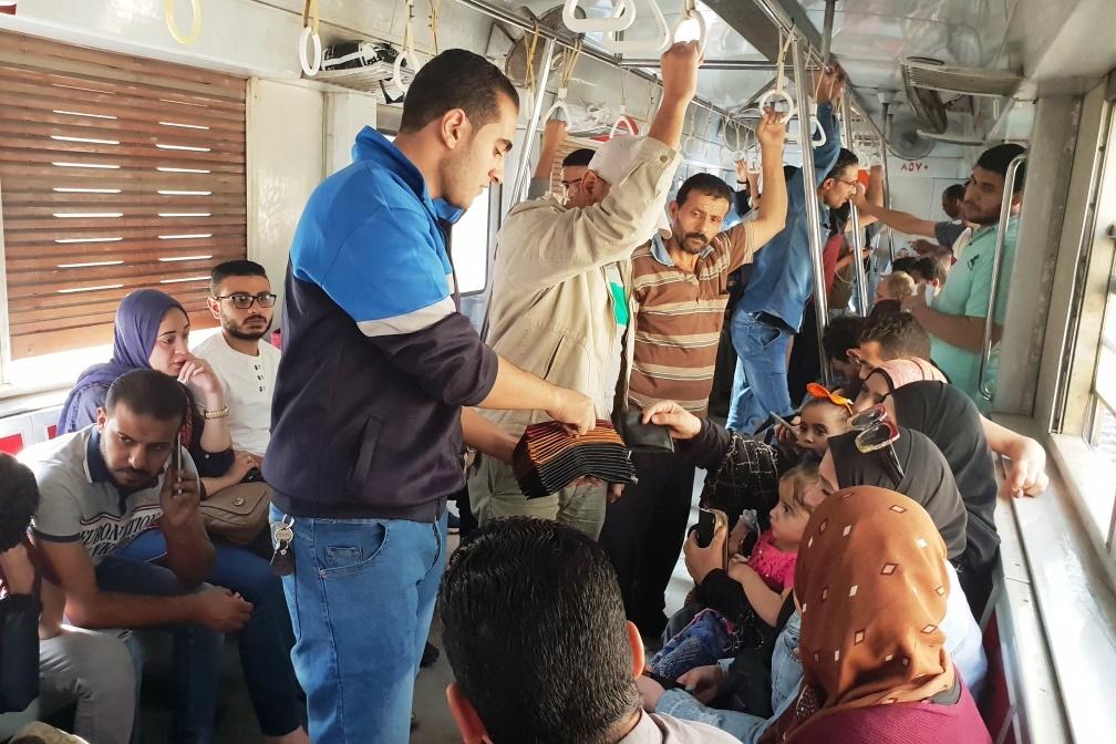 """Cestou káhirským metrem můžete i """"výhodně"""" nakoupit"""