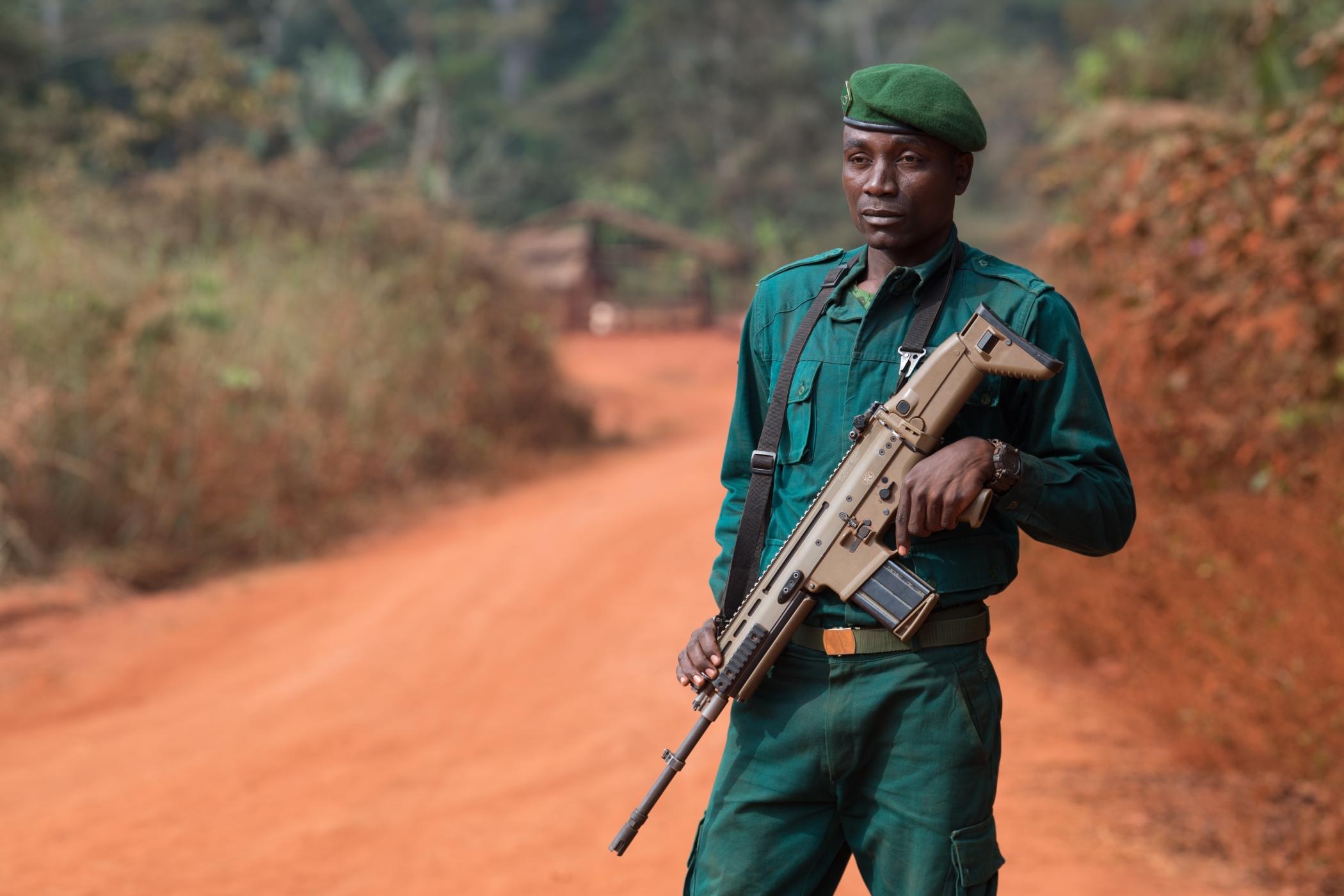 Svým vzhledem zdejší strážci přírody připomínají policisty nebo vojáky