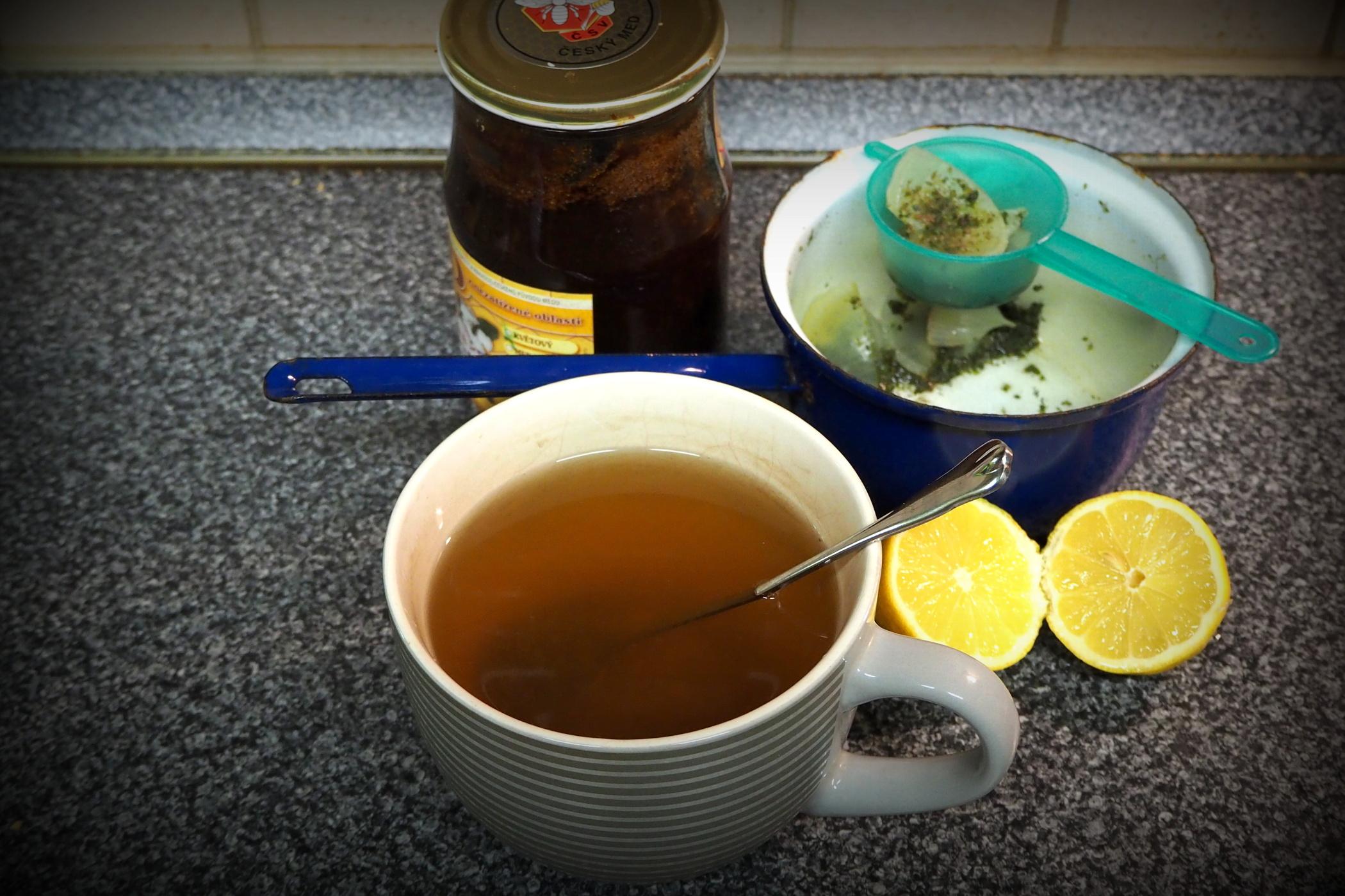 Majoránkový čaj s cibulí proti nachlazení