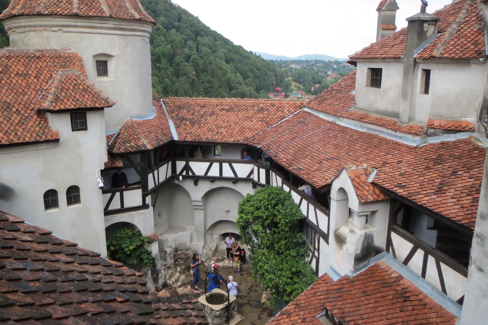 Hrad Bran, který v 15. století patřil knížeti Vladu Draculovi, patří mezi nejnavštěvovanější památky v Rumunsku.