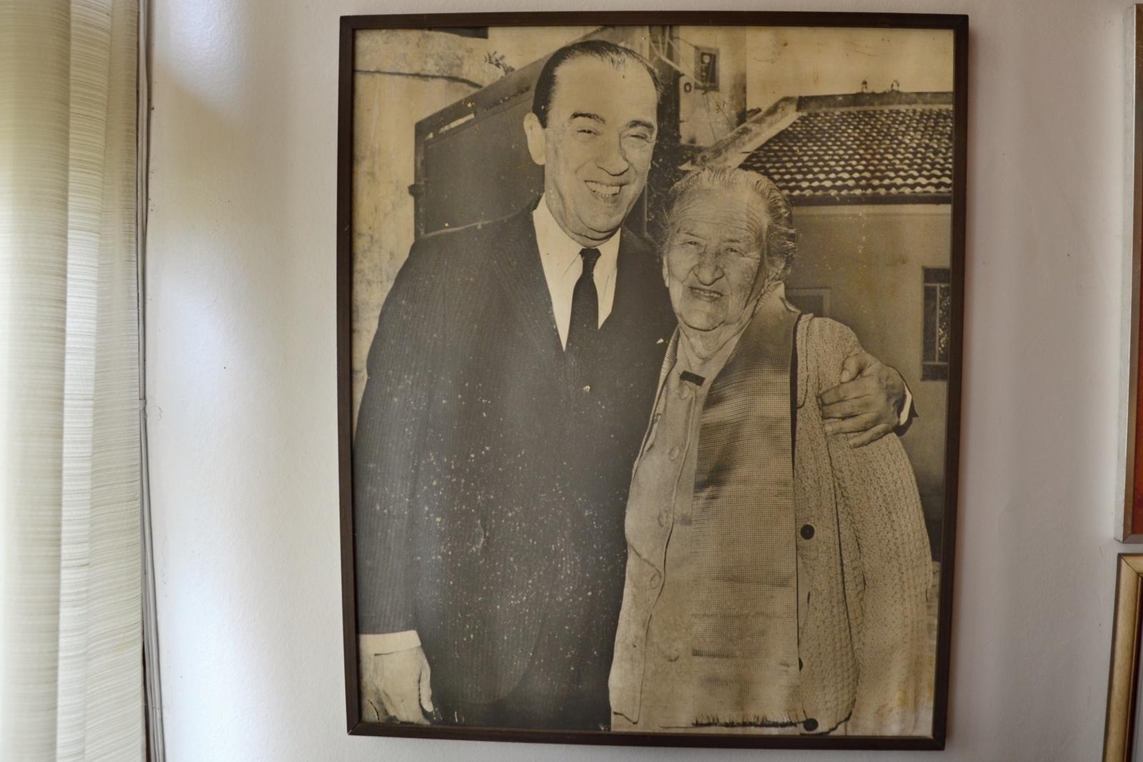 Juscelino Kubitschek a jeho matka, po které si nechal jméno - prý velmi přísná učitelka Julia Kubitschek