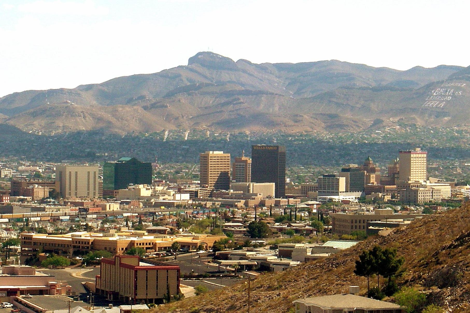 Americké město El Paso ve státě Texas leží prakticky na hranici s Mexikem