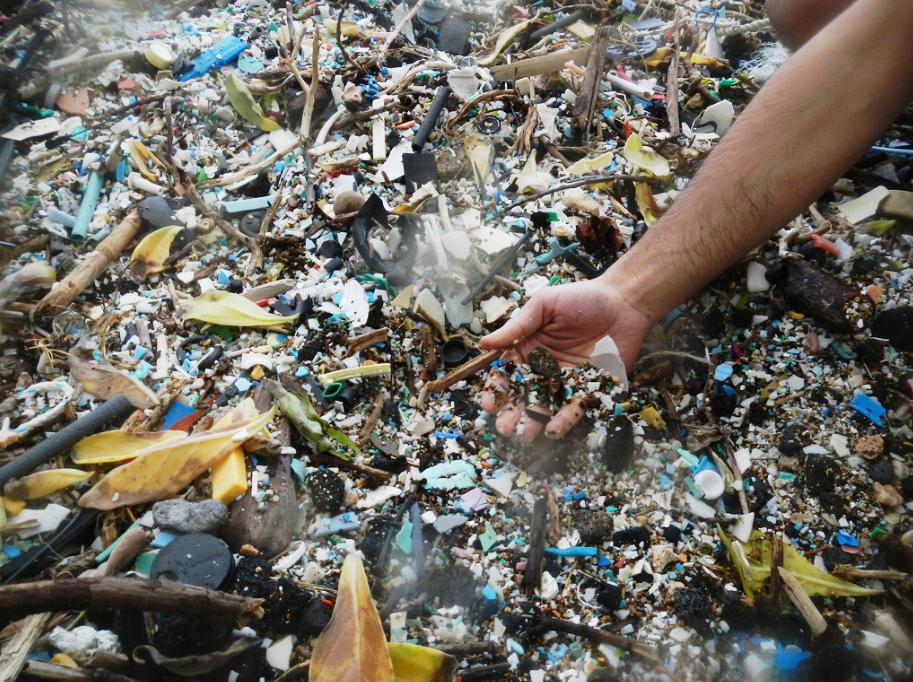 Plastový odpad - plasty