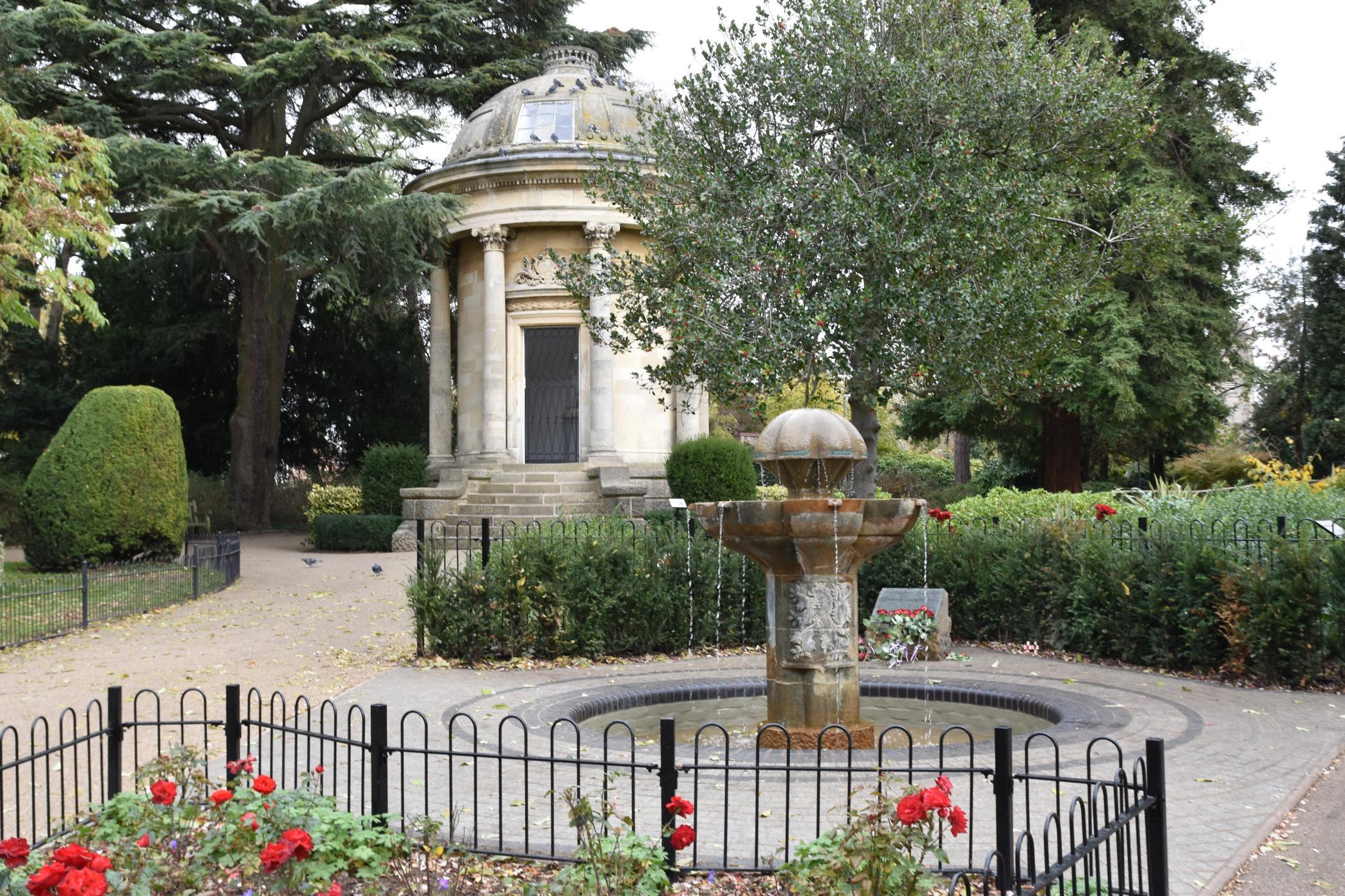 V parku anglického města Leamington Spa stojí fontána Československé svobody už půl století