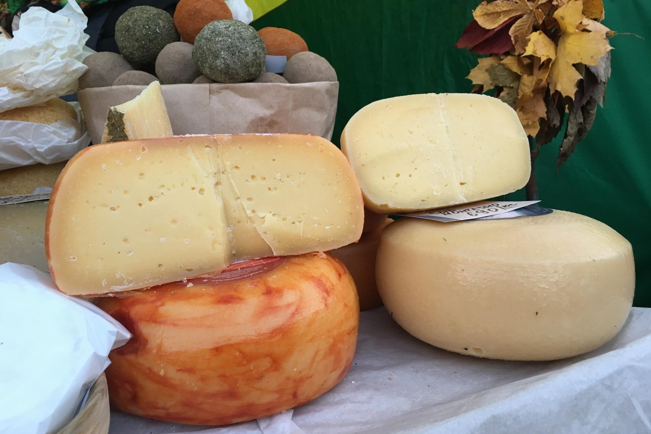 """""""Nikdy neberte sýry, které pocházejí z chovů koz krmených granulemi. Takový sýr nemůže být dobrý,"""" radí Světlana Novopašinová"""