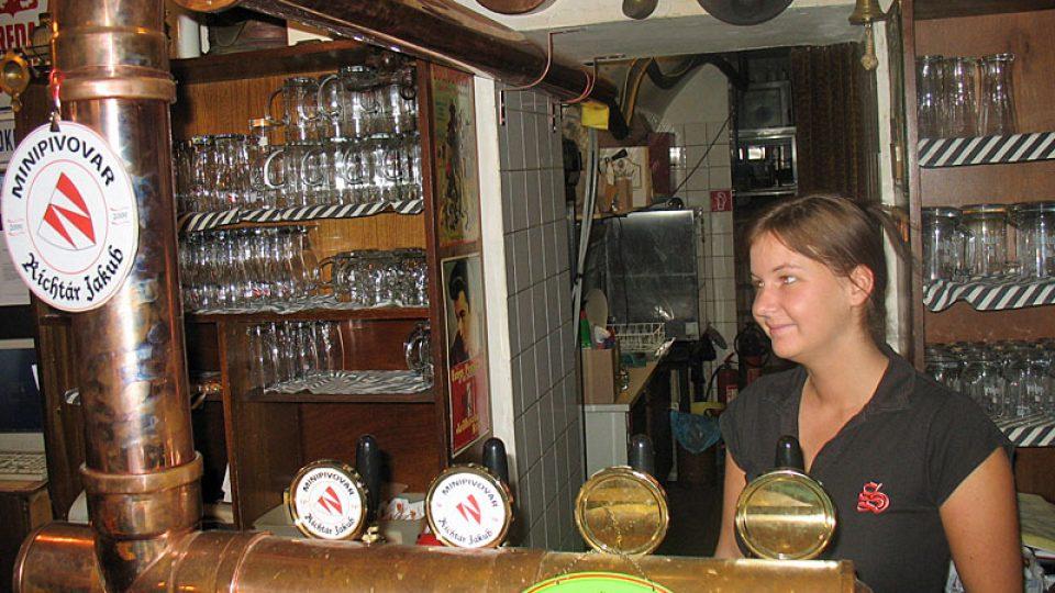 Do restaurace Omama proudí pivo