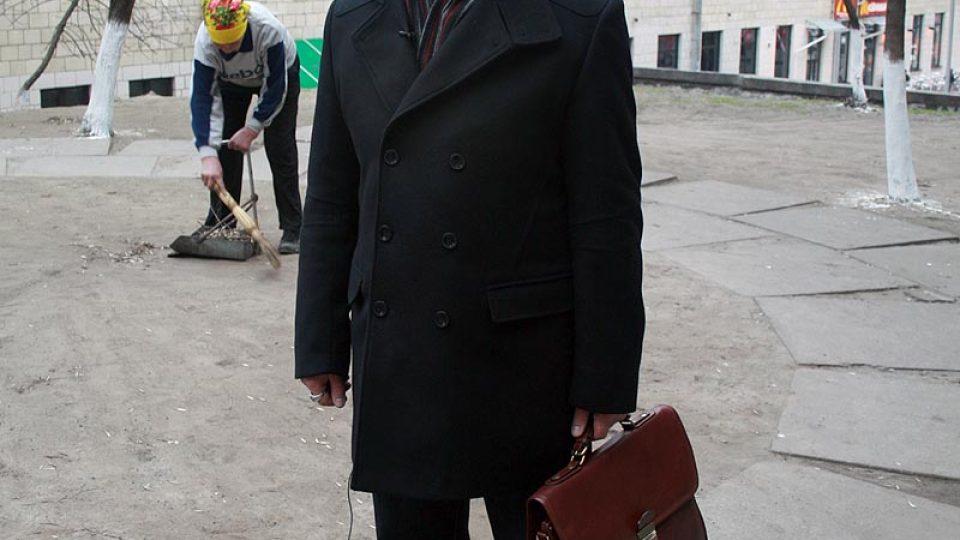 Jurij Bandaževskij, expert na zdravotní dopady černobylské katastrofy, varuje před setrváváním v zamořeném městě