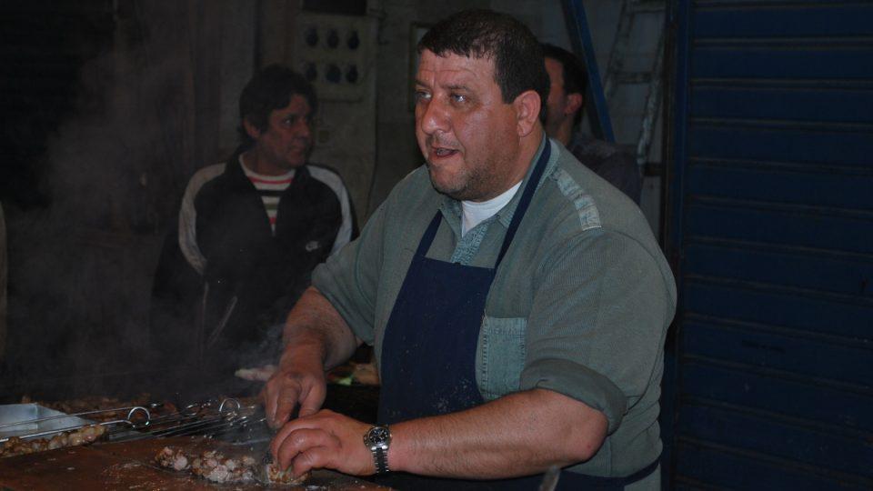 V Palermu není těžké se seznámit. Třeba s pouličním prodavačem místních specialit