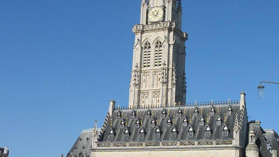 Radnice se zvonicí v Arrasu