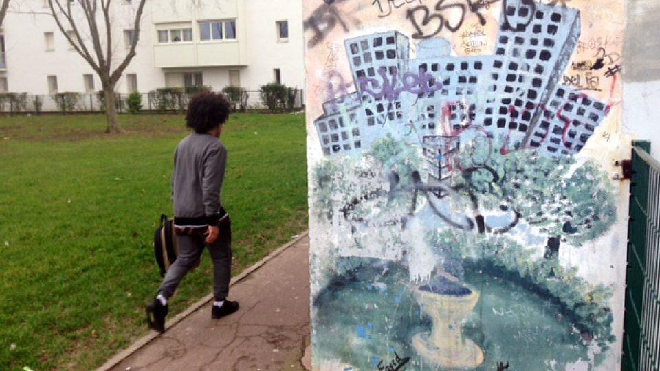 Évry je pařížské předměstí, jehož některé části jsou mírně řečeno problematické
