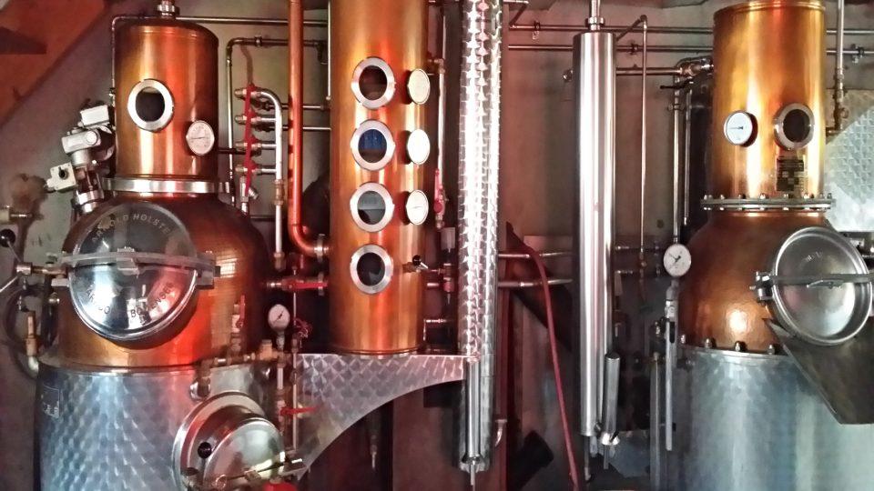 Zařízení na destilaci alkoholu