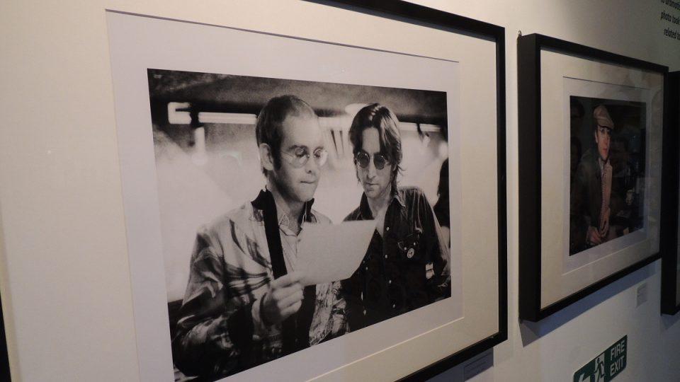 Výstava fotek Boba Gruena, z nichž některé nebyly dosud nikdy publikované, v muzeu Beatles Story v anglickém Liverpoolu
