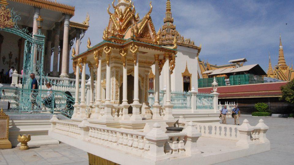 Duší domeček v královském paláci