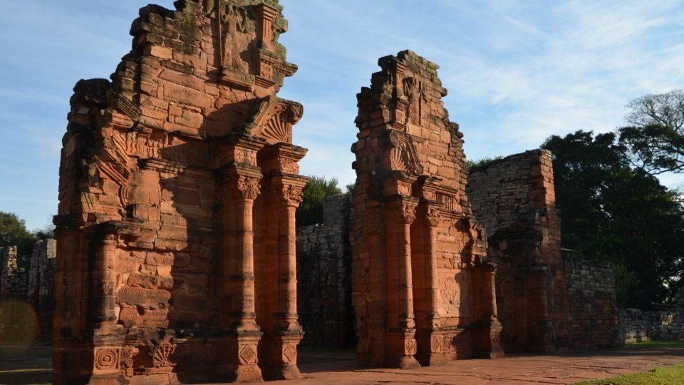 San Ignácio je asi nejlépe dochovaný pozůstatek jezuitsko-indiánských redukcí v Jižní Americe