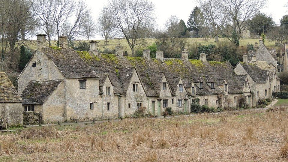 Arlington Row je pýchou Bibury v hrabství Gloucestershire