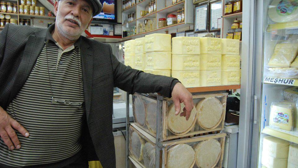 Ismail je hrdým majitelem sýrány v tureckém Karsu u hranic s Arménií
