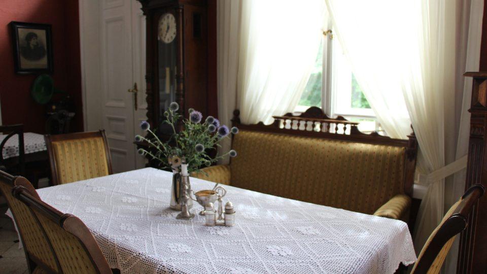 Interiér restaurace je dotažen do nejmenších detailů
