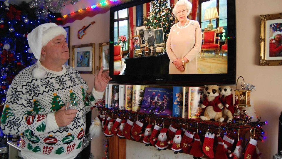 Andy Park miluje vánoční  poselství britské královny, pouští si je každý den