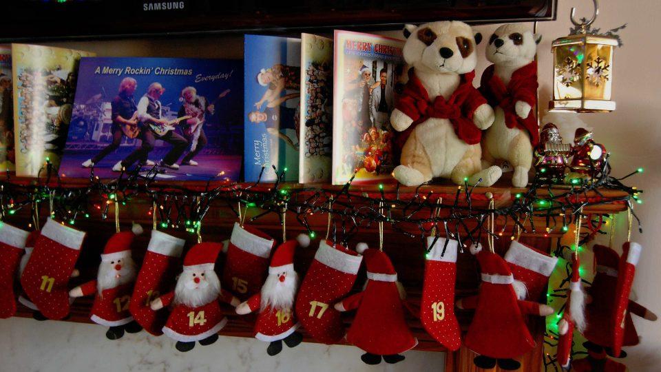 Vánoční přání posílá Andy sám sobě