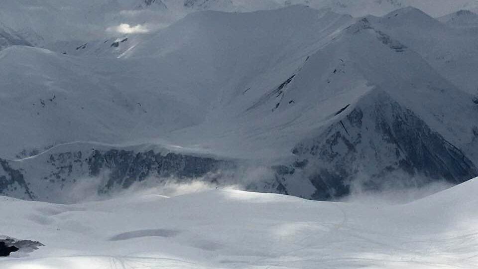 Svahy skiareálu Gudauri lákají na ideální podmínky zejména vyznavače freeridu