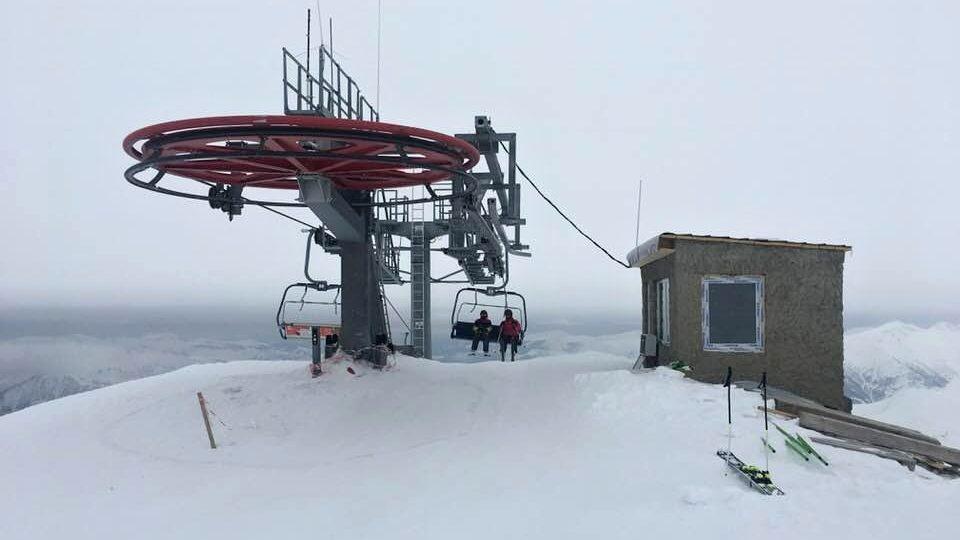 Horní stanice lanovky ve středisku Gudauri leží ve výšce 3200 metrů nad mořem