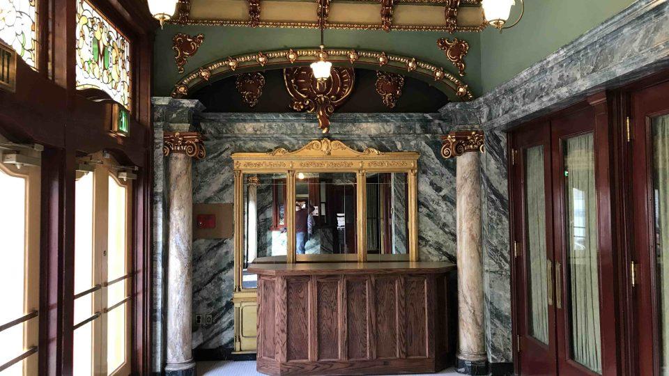 Foyer Mishlerova divadla v pensylvánské Altooně
