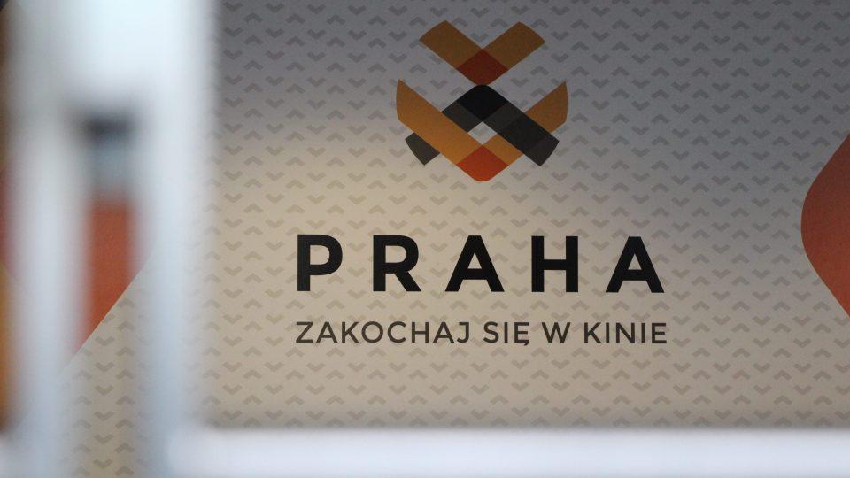 Logo Kina Praha slibuje, že tady se určitě zamilujete