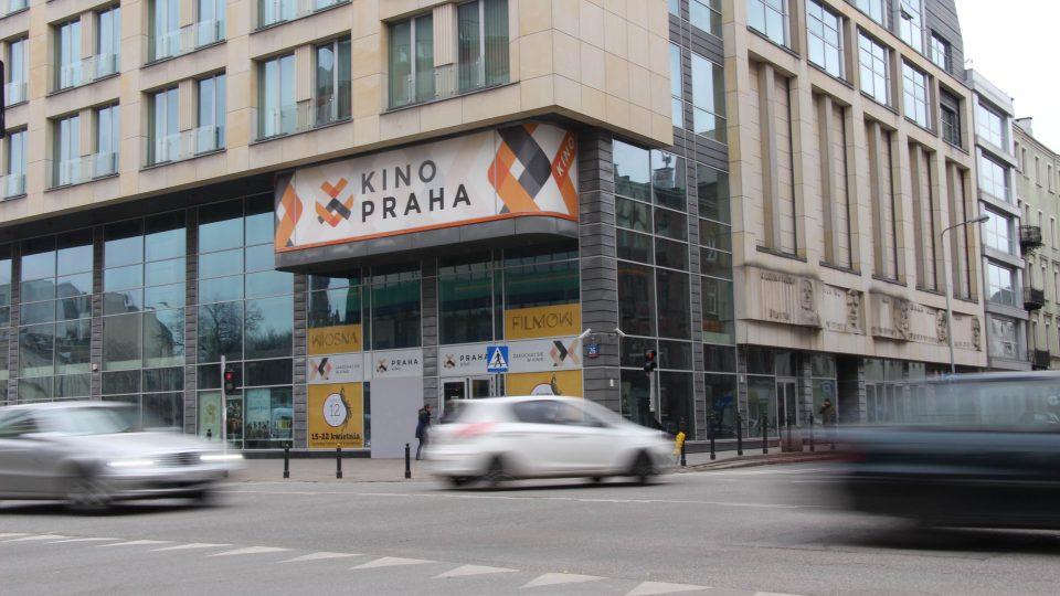 Na místě původního Kina Praha vyrostla kancelářská budova