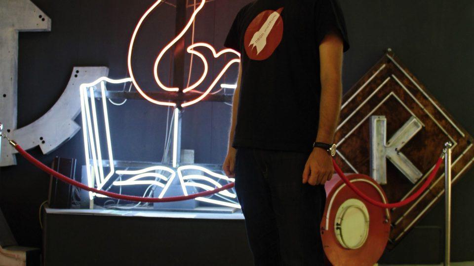 Witold Urbanowitz stál už u založení Muzea neonů