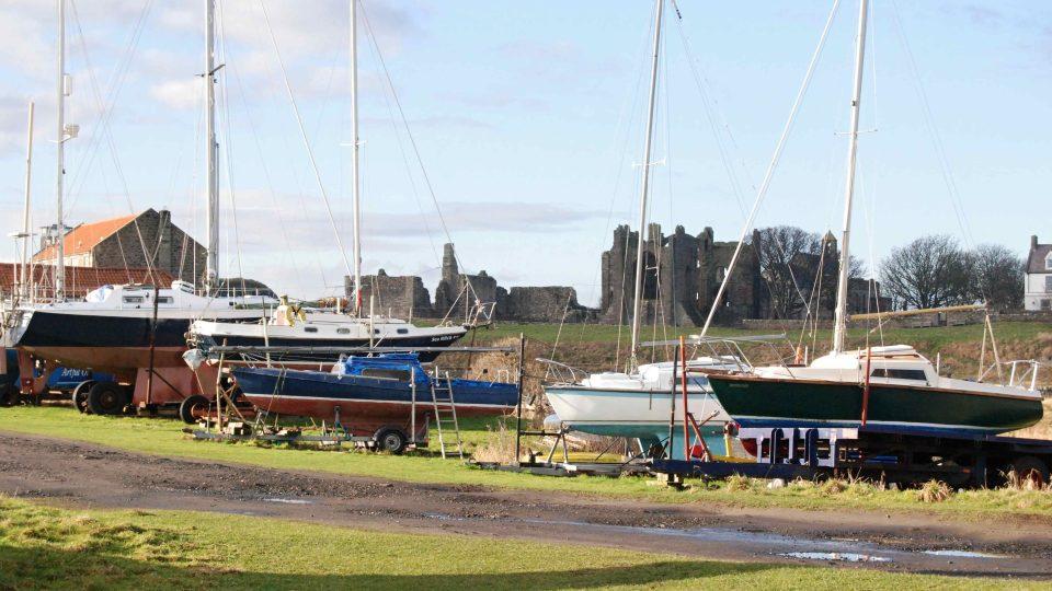 Ostrovem je Lindisfarne na severovýchodě Anglie jen pár hodin denně